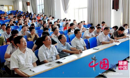 河南濮阳一高努力提高教育质量