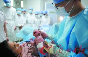 广东:一孩二孩半岁前 做生育登记即可